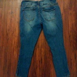 7cd960ab34f S.O.N.G Jeans - Women s Plus Size Ripped jeans
